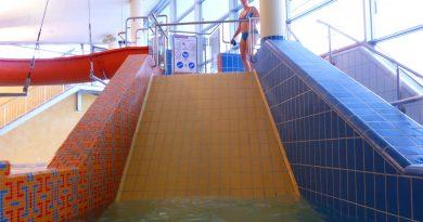 Fliesenrutsche :: Wide Slide   Therme Obernsees Mistelgau