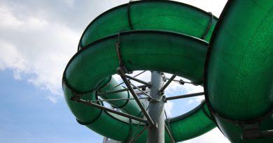 Westbad Regensburg - grüne Röhrenrutsche Onride