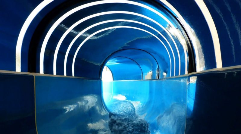 blaue Riesenrutsche :: Tunnelrutsche   Grömitzer Welle Grömitz